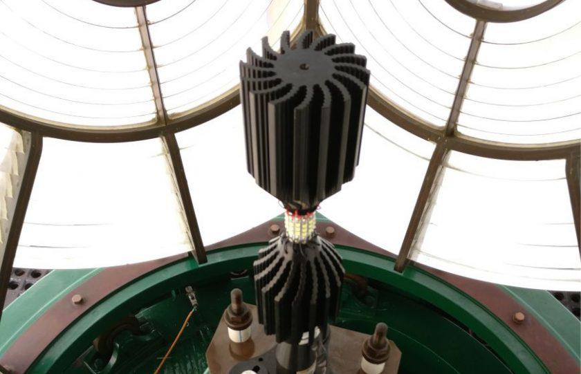Jaigad Lighthouse Upgrade using High Output LED Light Source (English/Latin Spanish)